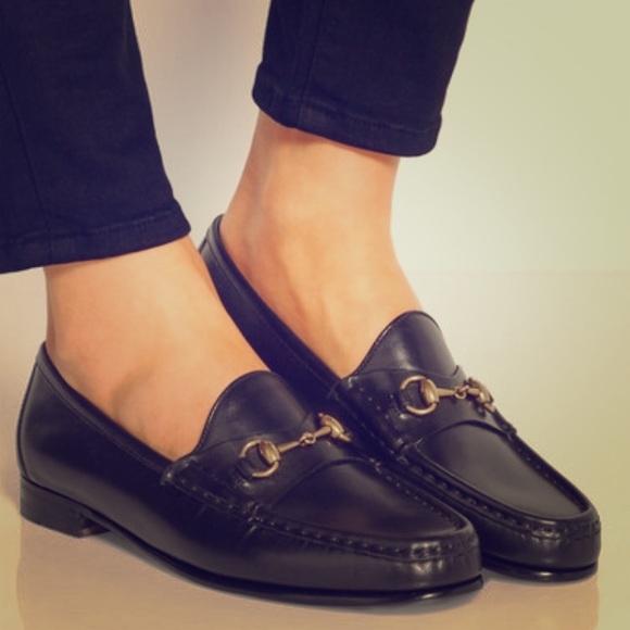 Gucci classic women\u2019s horsebit loafer